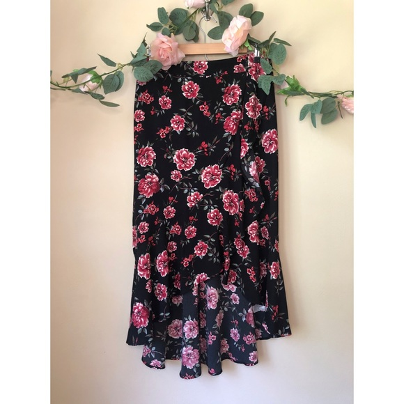 Xhilaration Dresses & Skirts - Asymmetrical Floral Maxi Skirt ❣️🌹🌼